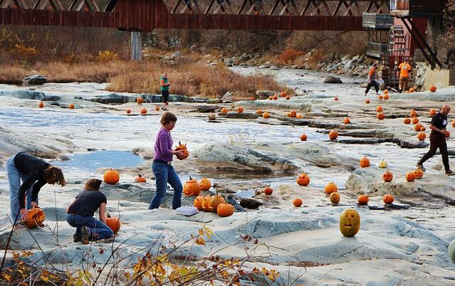 Jack O'Lanterns on the River